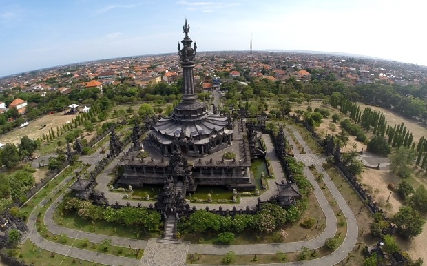 Bajra-Sandhi-Bali-people-Independent-monument-in-Denpasar-center-Bali-Hello-Travel-11.jpg1_